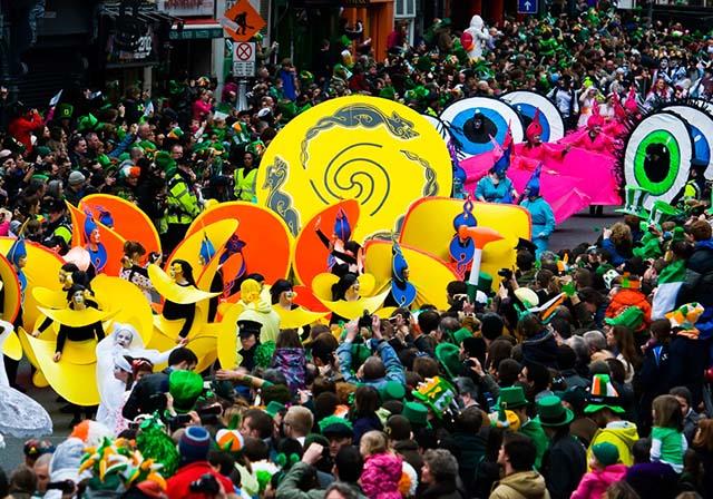 Hình ảnh sắc màu lễ hội tháng 3 trên thế giới