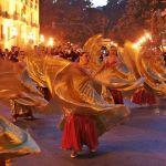 Sắc màu lễ hội tháng 3 trên thế giới
