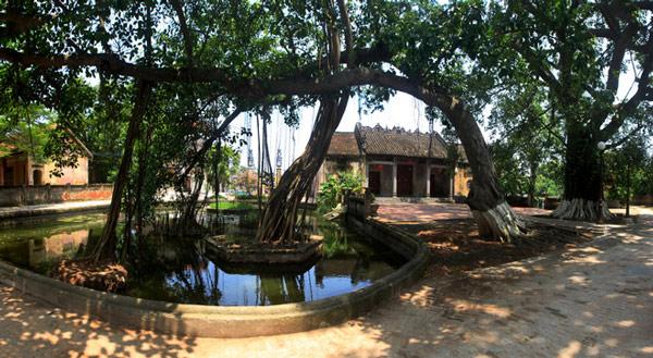 Vé máy bay giá rẻ đi Hà Nội thăm làng cổ 200 tuổi