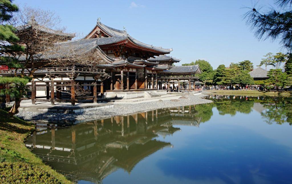 Vé máy bay đi Tokyo khám phá cung điện hoàng gia