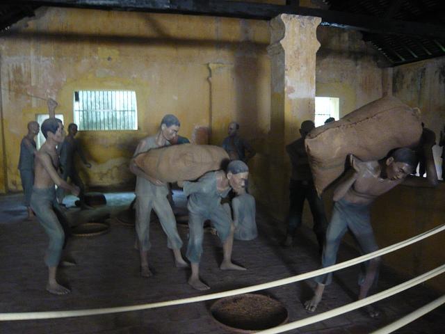 Mô hình nhà tù Côn Đảo